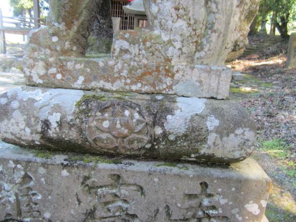 田主丸の阿蘇神社は橘の紋_a0237545_14135338.jpg