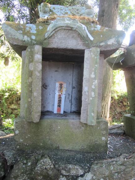 田主丸の阿蘇神社は橘の紋_a0237545_14372291.jpg