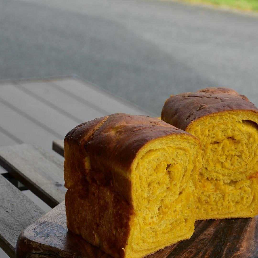 秋になってリーフパイ、源氏パイを食べたくなる夜_d0240469_17304200.jpg