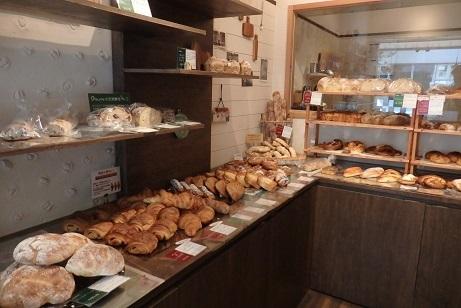 大好きなパン屋 「ブーランジェリーポーム 南3条店」 _f0362073_16281834.jpg