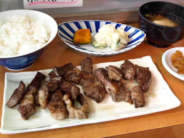 マルトマ食堂 その82 (国産牛ステーキ)_d0153062_8304153.jpg