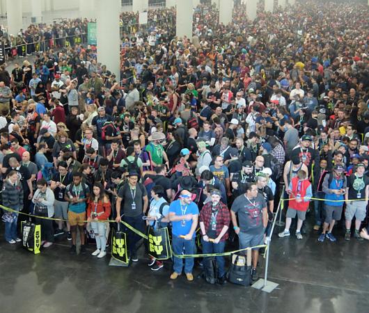 初日の朝から大盛況のNew York Comic Con 2017_b0007805_1542754.jpg