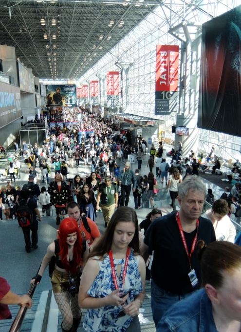 初日の朝から大盛況のNew York Comic Con 2017_b0007805_1555948.jpg