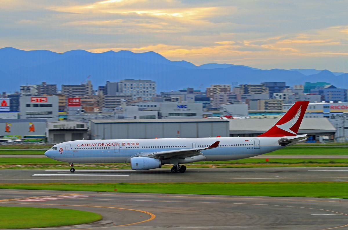 キャセイドラゴン航空。_b0044115_830195.jpg