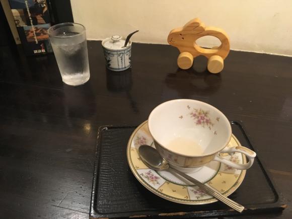 紅茶・花杏豆(徳島県吉野川市鴨島町駅前通り)_d0339676_13414664.jpg