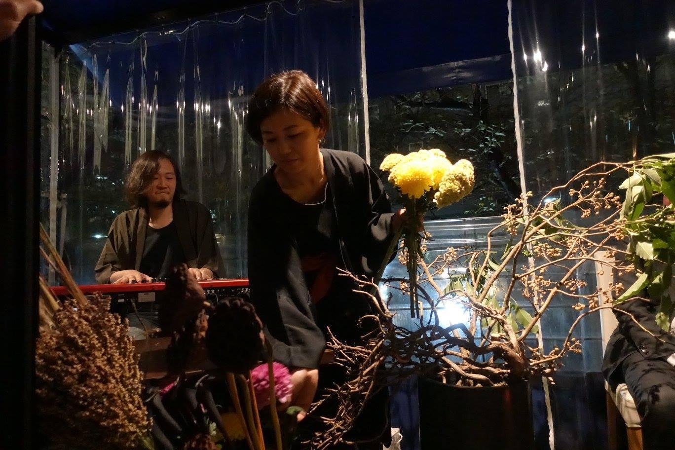 6日は「観月祭」 中秋の名月のライブパフォーマンスを行いました_c0072971_17165390.jpg