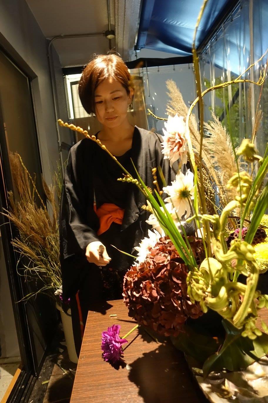 6日は「観月祭」 中秋の名月のライブパフォーマンスを行いました_c0072971_17171024.jpg