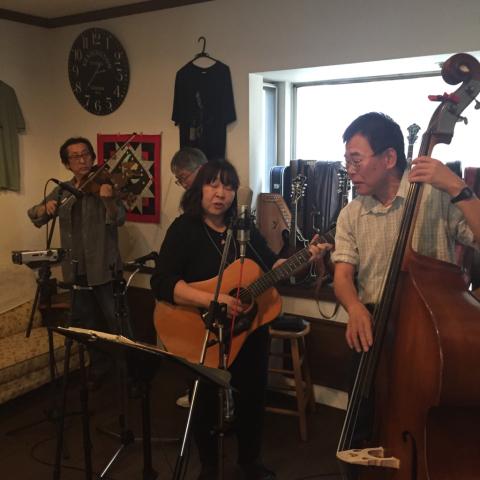 本日10月7日Bluegrass 月1回のJam会!_d0225380_00475886.jpg