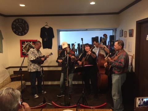 本日10月7日Bluegrass 月1回のJam会!_d0225380_01004167.jpg