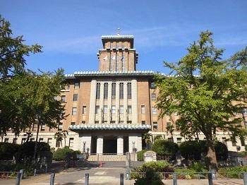 庁舎の窓 横浜(神奈川)_e0098739_13104299.jpg