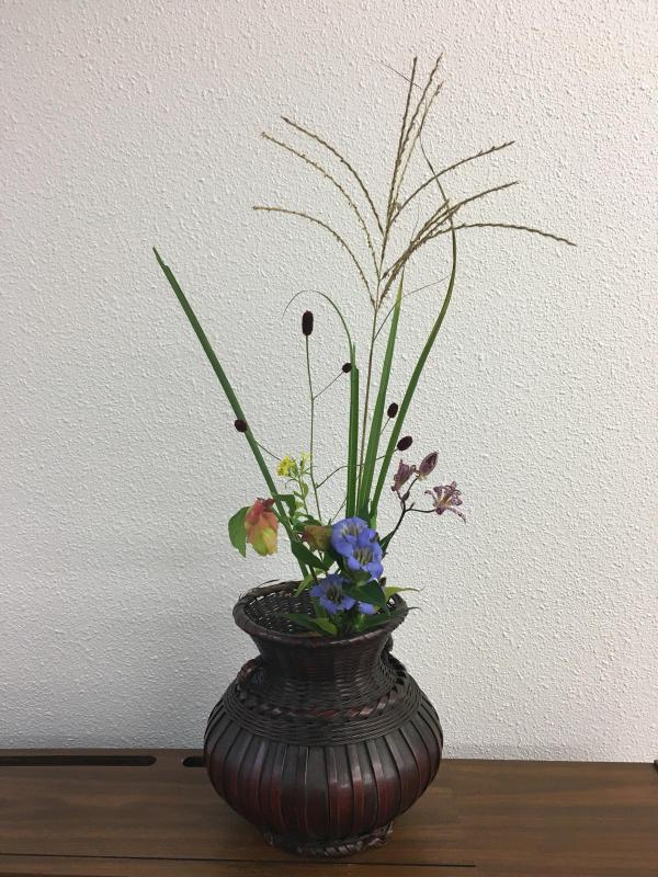 秋のお茶花と生け花のお稽古_c0195496_18275774.jpg