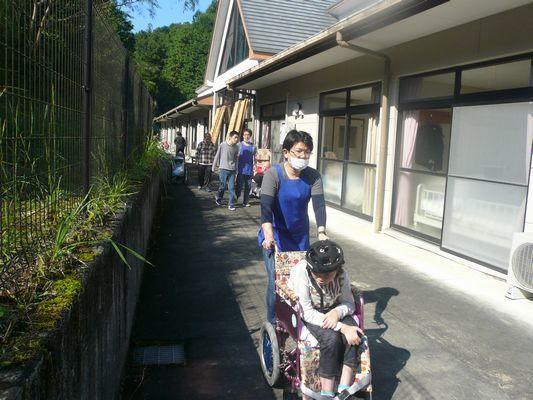 10/10 散歩_a0154110_13025876.jpg