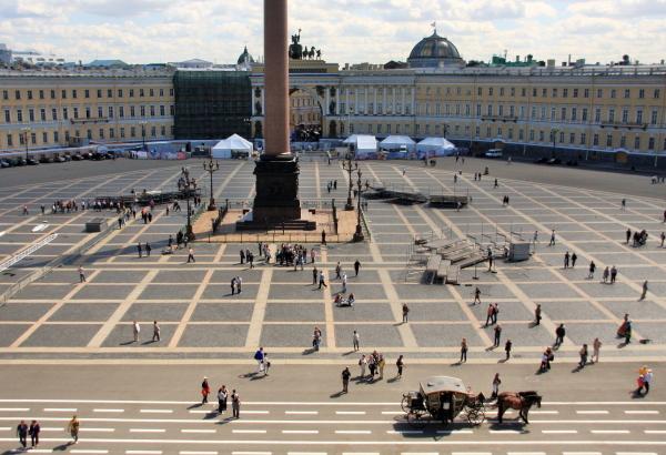 サンクトペテルブルグの歴史を語る様々な宮殿と寺院と文学から庶民の生活を知る_a0113718_13453637.jpg