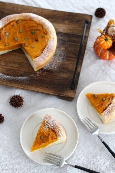 タルトのようなかぼちゃパンです。_f0224568_19243618.jpg