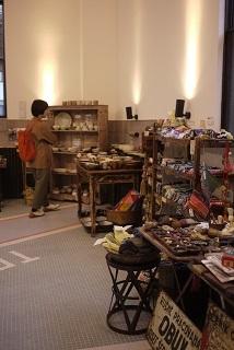 本日(10/12(木))在廊しています!「ハクトヤ展」開催中!at オーベルジュ豊岡1925さん_f0226293_07105002.jpg