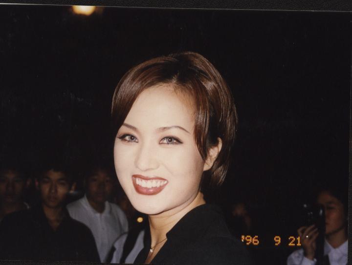 韓国のマドンナ!女優としても活躍 オムジョンファ、奇跡の48歳。 整形もスッピンもオープンに。がんを克服!_f0158064_16265263.jpg