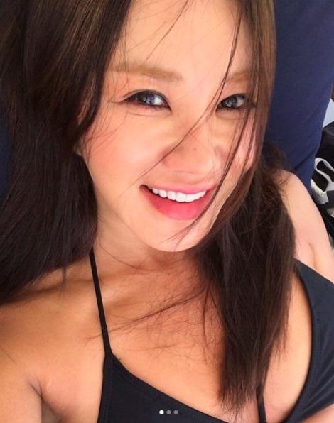 韓国のマドンナ!女優としても活躍 オムジョンファ、奇跡の48歳。 整形もスッピンもオープンに。がんを克服!_f0158064_17135933.jpg