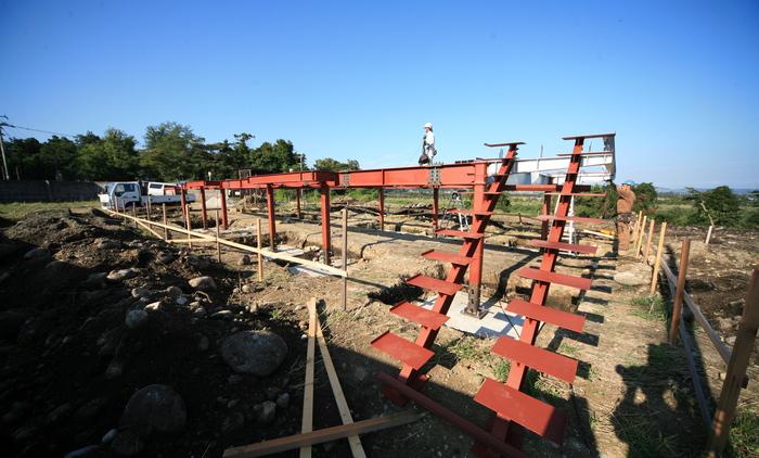 鉄骨の土台完成_e0189939_836442.jpg