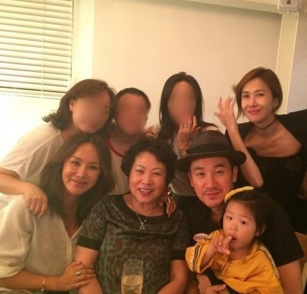 韓国のマドンナ!女優としても活躍 オムジョンファ、奇跡の48歳。 整形もスッピンもオープンに。がんを克服!_f0158064_04110886.jpg