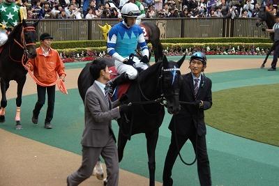 府中牝馬Sは、クロコスミアがGI馬3頭を振りきって逃げ切り重賞初制覇_b0015386_21333929.jpg