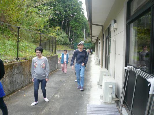 10/13 散歩と音楽活動_a0154110_08395651.jpg
