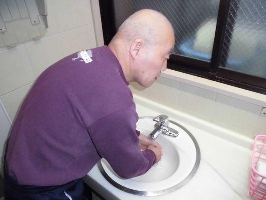 10/14 シーツ交換、手洗い、体操_a0154110_08462084.jpg