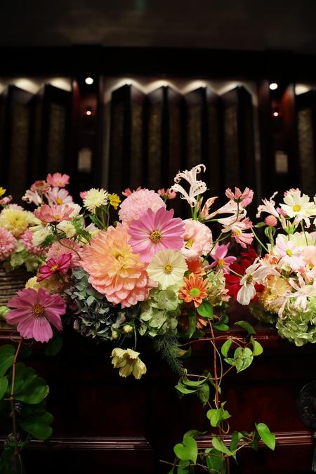 秋の装花 目黒雅叙園孔雀の間さまへ 理想のすべての花を咲かせて_a0042928_2182248.jpg