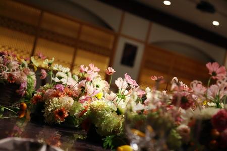 秋の装花 目黒雅叙園孔雀の間さまへ 理想のすべての花を咲かせて_a0042928_218813.jpg