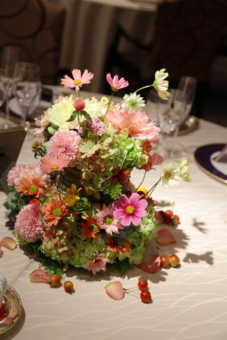 秋の装花 目黒雅叙園孔雀の間さまへ 理想のすべての花を咲かせて_a0042928_2191268.jpg