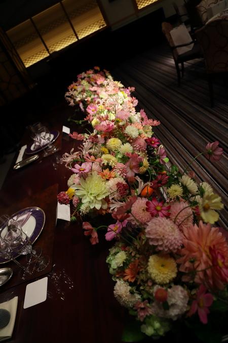 秋の装花 目黒雅叙園孔雀の間さまへ 理想のすべての花を咲かせて_a0042928_2203419.jpg