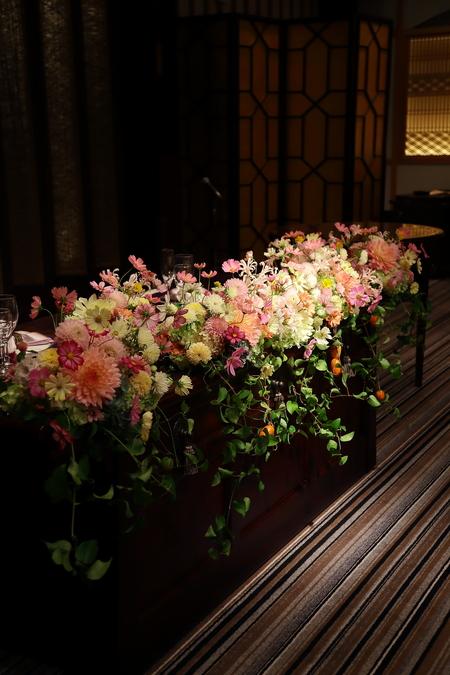 秋の装花 目黒雅叙園孔雀の間さまへ 理想のすべての花を咲かせて_a0042928_2204733.jpg
