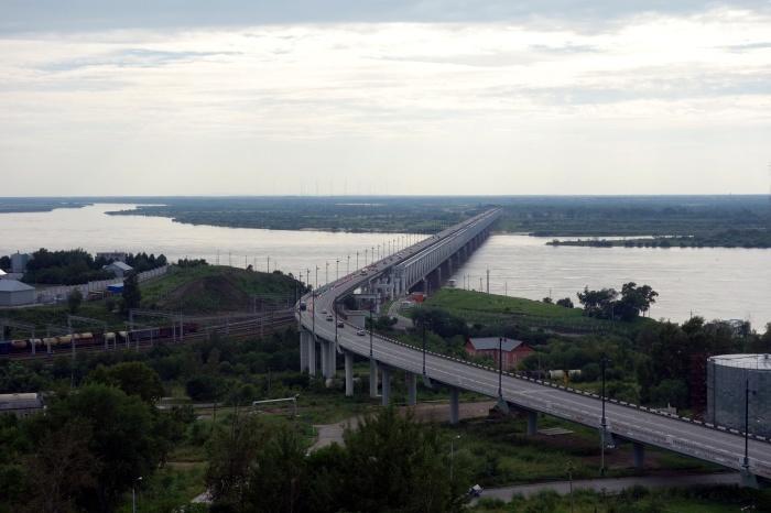 アムール川に架かるハバロフスク橋_d0116009_02360748.jpg