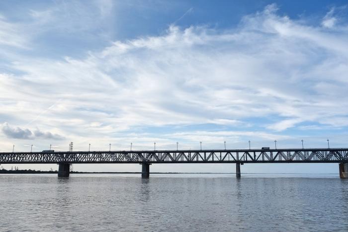 アムール川に架かるハバロフスク橋_d0116009_02514092.jpg