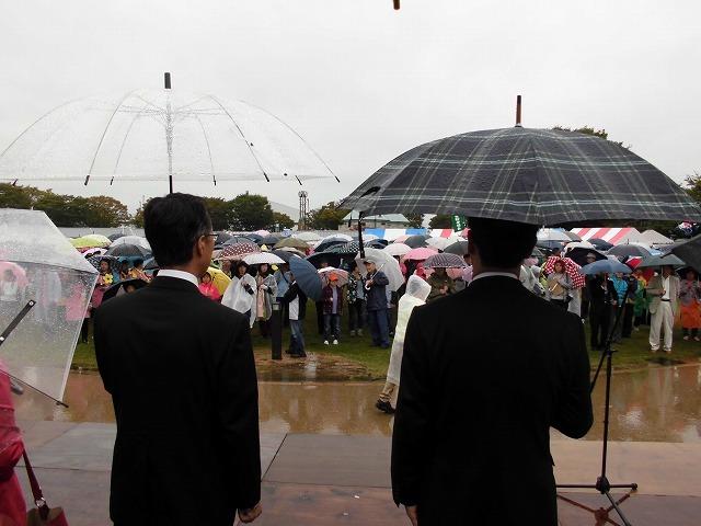 寒い雨の中でも多くの皆さんが参加した「第37回 市民福祉まつり」_f0141310_07471543.jpg