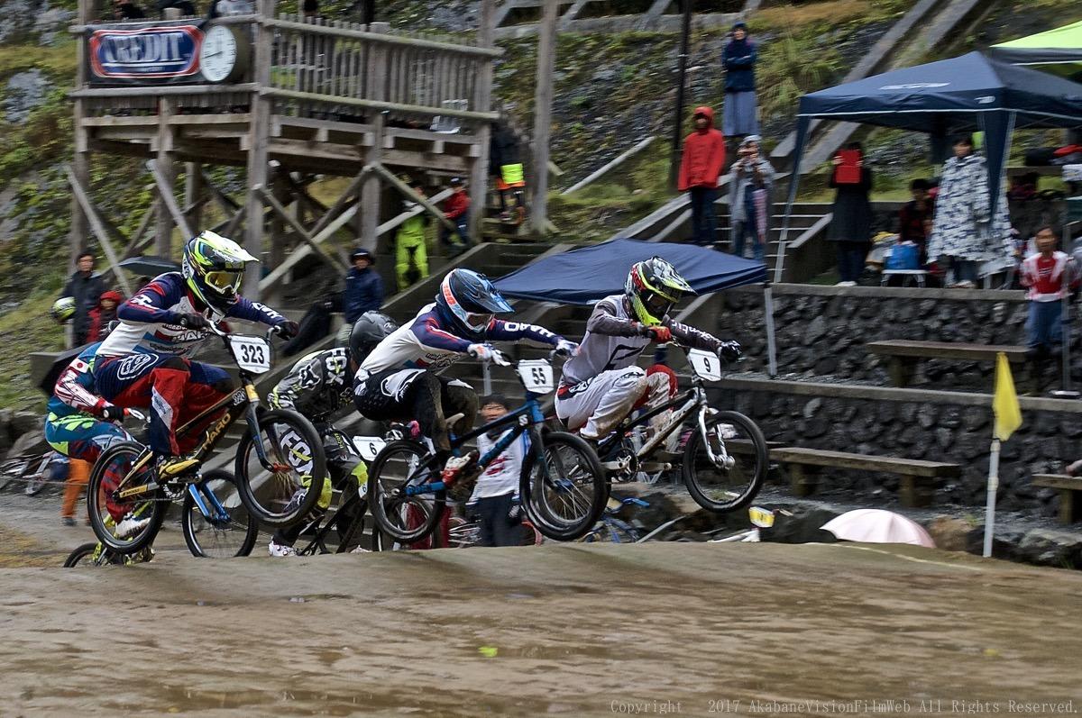 2017 JBMXF 秩父シリーズ第3戦(J2)VOL1:男子エリートクラス3ヒートレース_b0065730_19515992.jpg