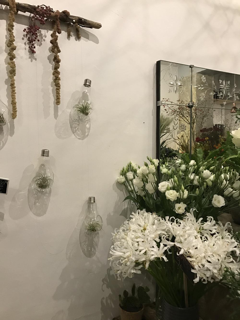 パリのお花屋さん・marianne のバースデー(パリ便り その2)_c0176078_15060231.jpg
