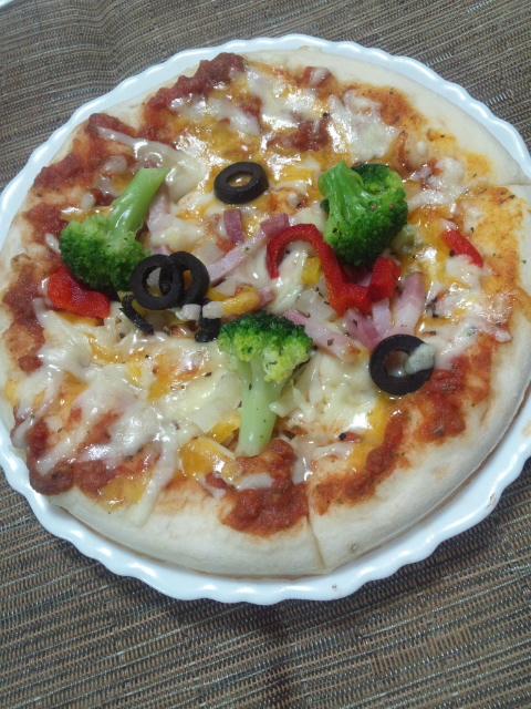 ローソン 彩り野菜と熟成ベーコンのピッツァ_f0076001_23405943.jpg