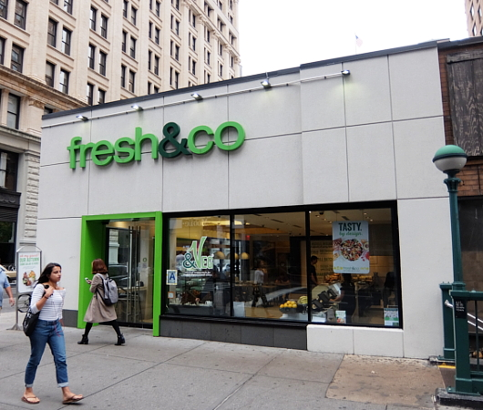 マンハッタンのAstor Pl.から8th St.周辺はサラダ専門店密集地_b0007805_19175271.jpg