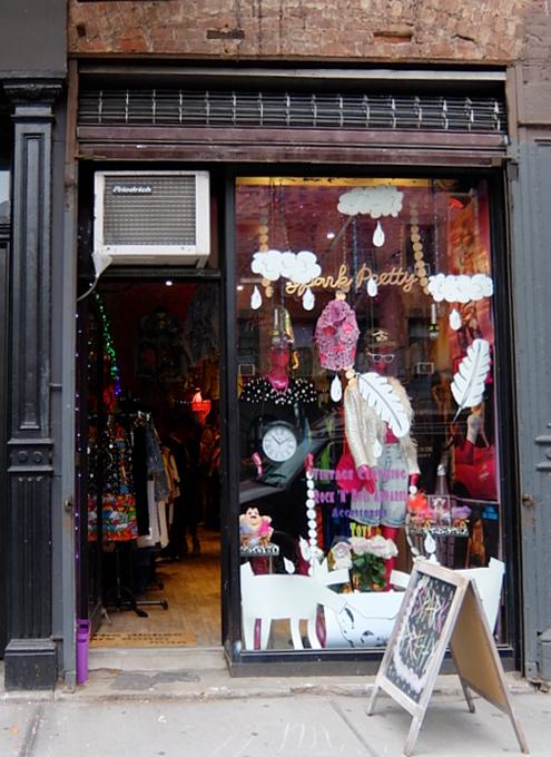 NYで話題の90年代ファッションに特化した古着屋「スパーク・プリティ」 Spark Pretty_b0007805_20232382.jpg