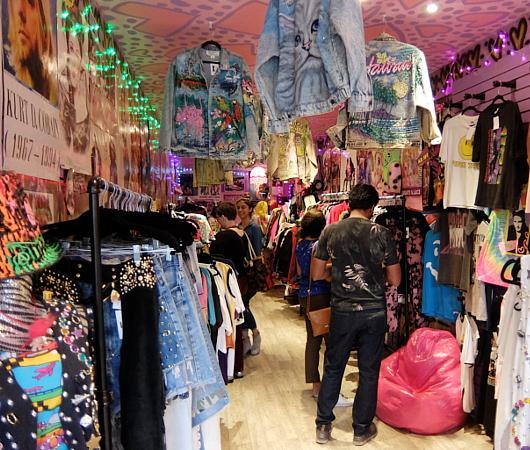 NYで話題の90年代ファッションに特化した古着屋「スパーク・プリティ」 Spark Pretty_b0007805_2025759.jpg