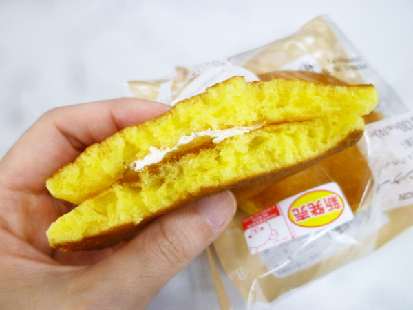 もちっとパンケーキ(安納芋あん&ミルクホイップ)@ローソン_c0152767_19021574.jpg