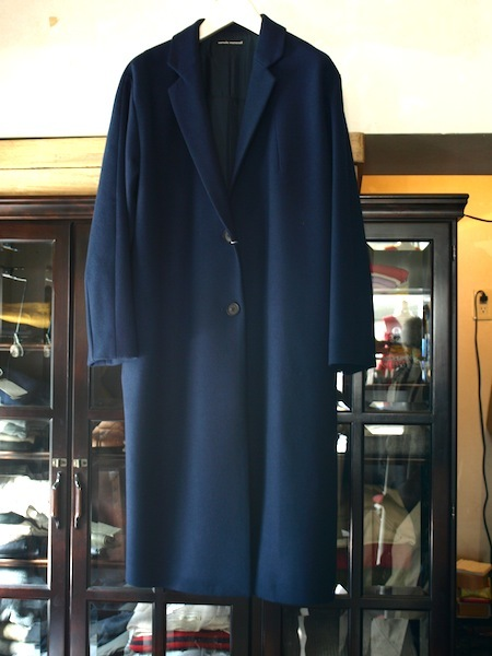 トップメゾンのデザイナーを歴任した日本人上榁むねのりによるuemulo munenoliのコート『EVA』が美しい!_e0122680_17185714.jpg