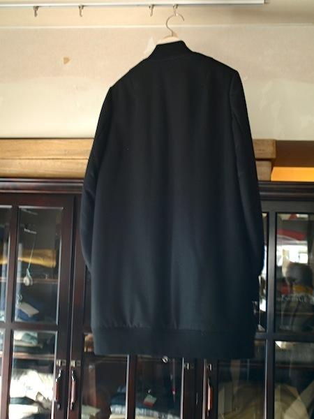 軽くて暖かくて着やすく格好良いtomoumi onoのジップアップコート_e0122680_17241881.jpg
