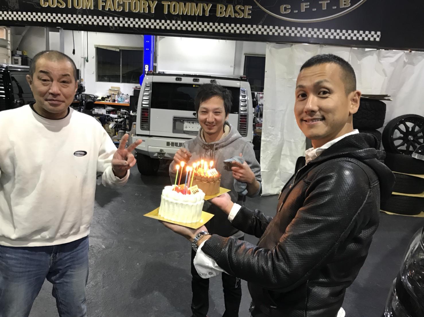 10月18日(木)TOMMY  BASE ともみブログ☆ランクル ハマー 10インチナビ!_b0127002_11240395.jpg