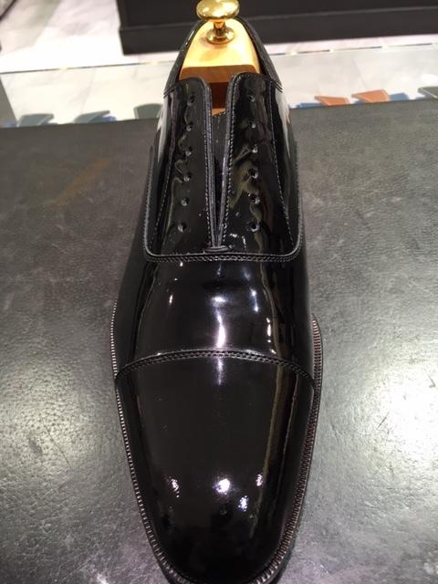 靴でも財布でも何でもエナメルケアの仕上げに_b0226322_16321416.jpg