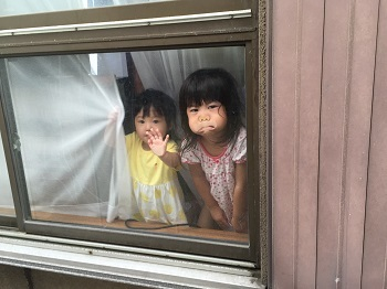 窓越しの~ チビ子1&2 バージョン~^m^_e0123286_19301474.jpg