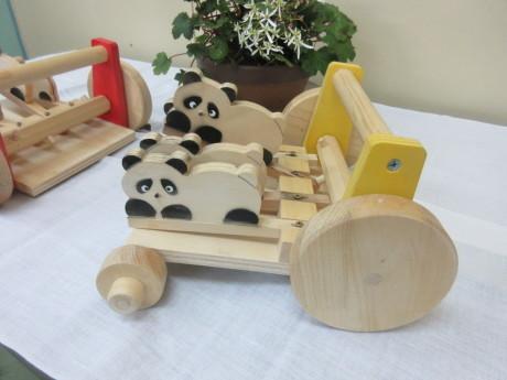 風間勇一さん「木の手づくりおもちゃ展」_a0203003_13495770.jpg
