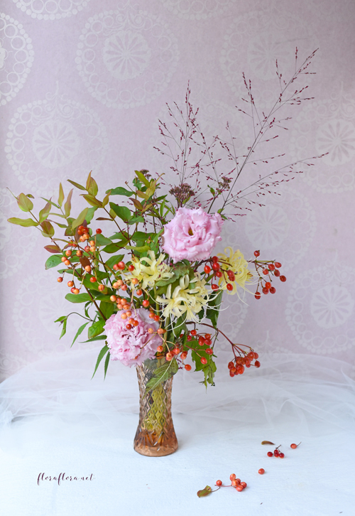 9月レッスン*初秋の花達 花瓶とバスケットのコンビネーションアレンジ**フローラフローラちいさな花の教室*東京目黒不動前フラワースクール_a0115684_01451420.jpg