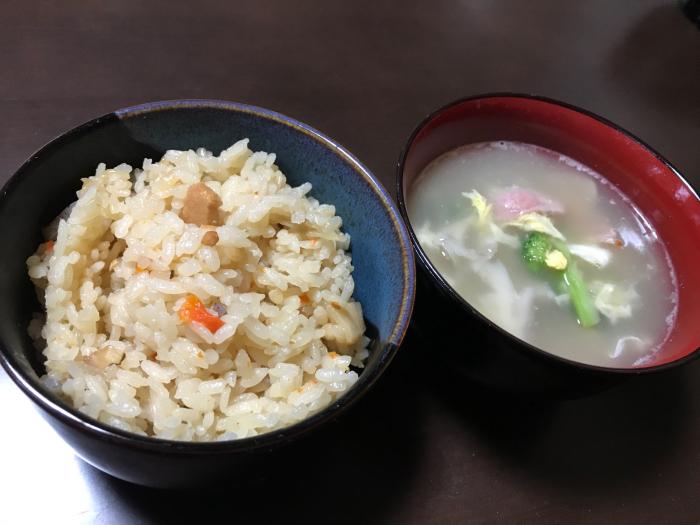 お昼はコレが並んでおりました!日本人で良かったー♪_c0110051_13150499.jpg