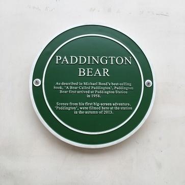 Paddington Station限定クリスピークリームのマーマレードドーナッツ_f0238789_23334903.jpg